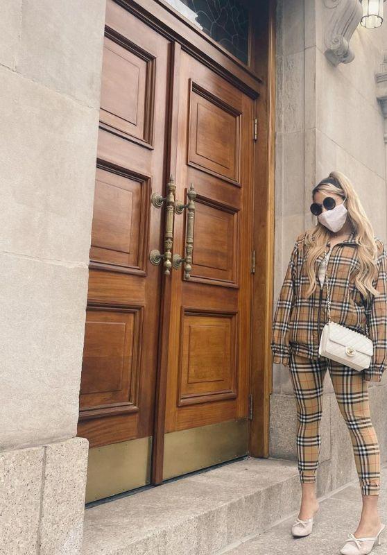 Gabi DeMartino Outfit 04/12/2021