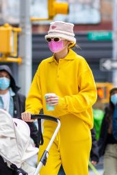 Gigi Hadid - Out in New York 04/01/2021