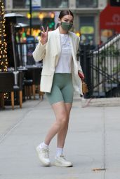 Gigi Hadid - Out in NY 04/21/2021