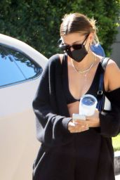 Hailey Rhode Bieber in Workout Outfit - Los Angeles 04/07/2021
