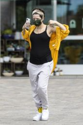 Halsey - Shopping for Groceries in Los Angeles 04/21/2021