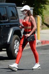 Hannah Ann Sluss - Out in Los Angeles 04/08/2021