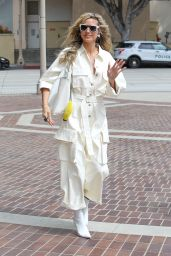 Heidi Klum - Arrives on the Set of America