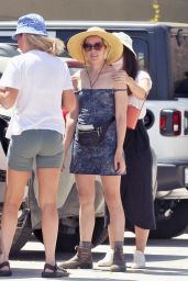 Jena Malone - Vacations in Palm Springs 04/22/2021