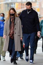Jennifer Lawrence Street Style - New York 04/19/2021