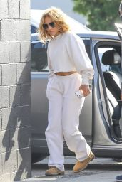 Jennifer Lopez in Comfy Outfit - Los Angeles 04/25/2021