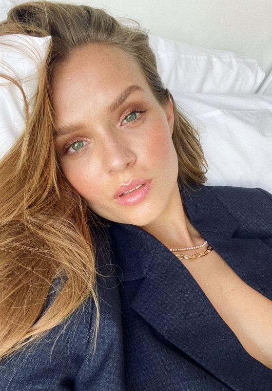 Josephine Skriver - Live Stream Video 04/24/2021