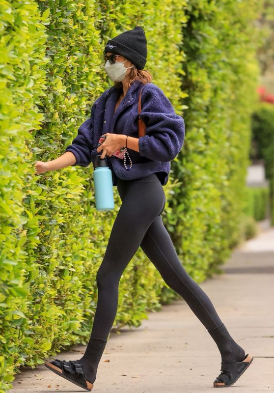 Kaia Gerber in Leggings - Los Angeles 04/13/2021
