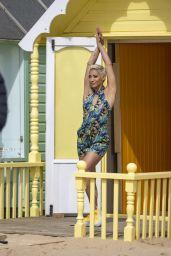 Karen Hauer - Films a Freemans Advert in Essex 04/07/2021