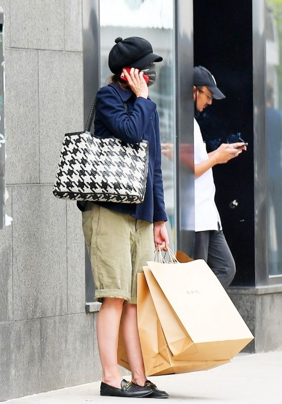 Katie Holmes - Shopping at A. P. C. in SoHo in NY 04/26/2021