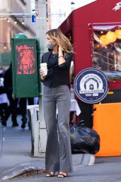 Kelly Bensimon - Grabs Coffee at Balthazar in NYC 04/08/2021