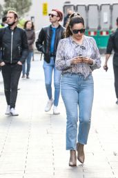 Kelly Brook Street Style 04/26/2021