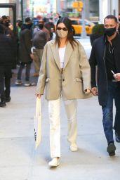 Kendall Jenner - Four Seasons Hotel in New York 04/26/2021