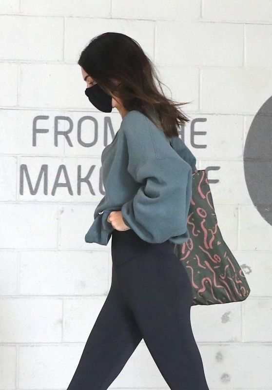 Kendall Jenner - Out in West Hollywood 04/22/2021