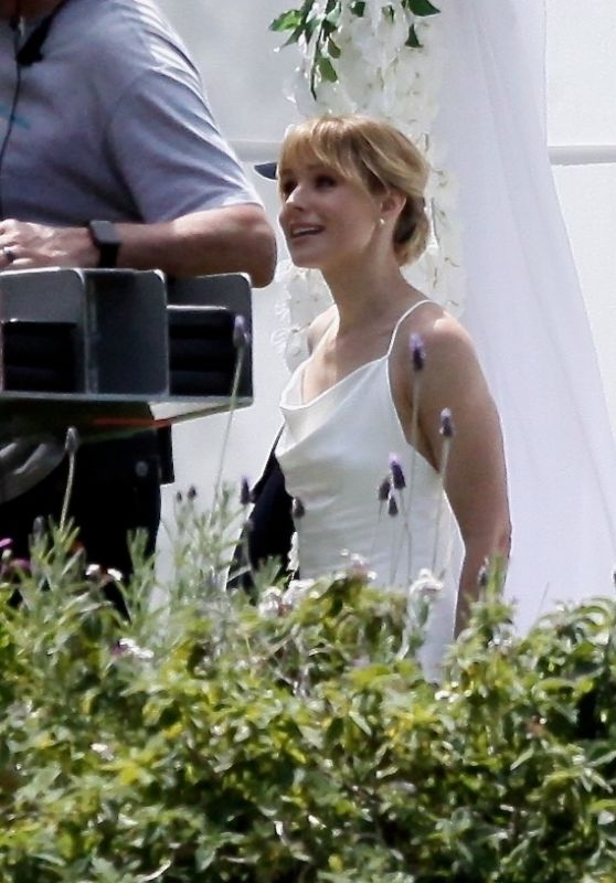 "Kristen Bell and Michael Ealy Get Married on ""The Woman In The House"" Set 04/15/2021"