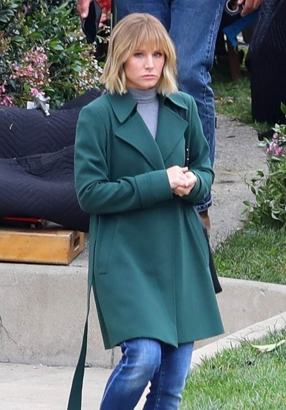 "Kristen Bell - ""The Woman In The House"" Set in Los Angeles 04/13/2021"