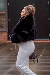 Lauren Goodger - Out in London 04/12/2021