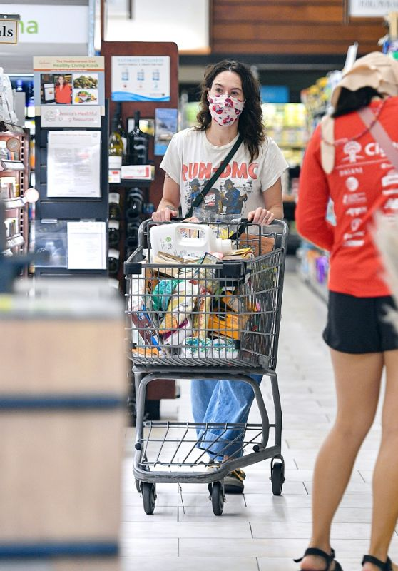 Lena Headey - Grocery Shopping at Gelson