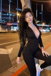 Malu Trevejo Photos and Live Stream Video 04/12/2021