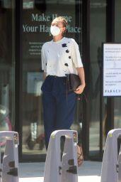 Maria Sharapova - Shopping in Los Angeles 03/31/2021
