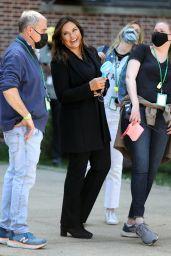 "Mariska Hargitay - ""Law and Order"" TV Show Filming in NY 04/20/2021"