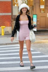 Peyton Knight - Out in Soho, New York 04/07/2021