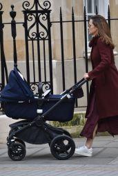 Pippa Middleton - Walking With Newborn Baby 04/13/2021