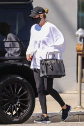 Rosie Huntington-Whiteley - Out in Los Angeles 04/26/2021