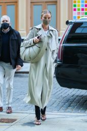 Rosie Huntington-Whiteley Wears Fashionable Trench Coat in New York 04/13/2021