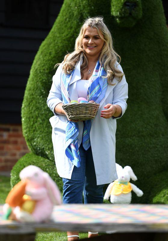 "Saffron Lempriere – ""The Only Way is Essex TV Show Filming in Essex 03/28/2021"