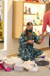 Sarah Jessica Parker at SJP By Sarah Jessica Parker Store in NYC 04/12/2021