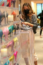 "Sarah Jessica Parker at the ""SJP By Sarah Jessica Parker"" Store in Manhattan 04/18/2021"