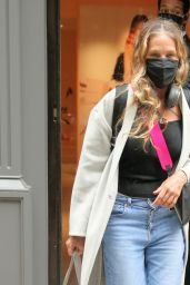 Sarah Jessica Parker in Rolled-Up Jeans, Black Top and White Coat - New York 04/11/2021