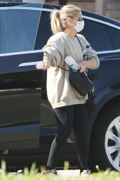 Sarah Michelle Gellar - Out in Brentwood 03/30/2021