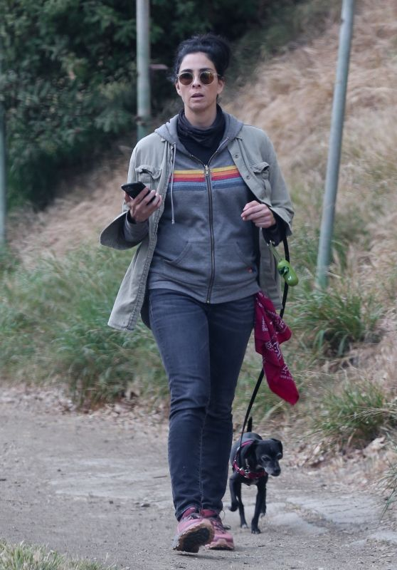 Sarah Silverman - Out For a Hike in Los Feliz 04/28/2021