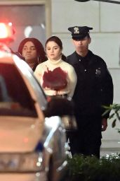 """Selena Gomez - """"Only Murders In The Building"""" Filming Set in New York 04/10/2021"""
