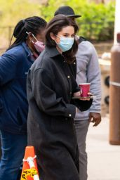 """Selena Gomez - """"Only Murders in The Building"""" Set in NYC 04/09/2021"""