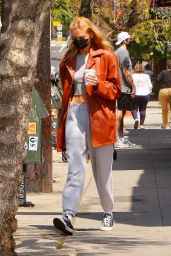Stella Maxwell at Blue Bottle Coffee in Los Feliz 04/10/2021