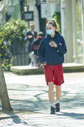 Suki Waterhouse - Running Errands in Notting Hill 04/19/2021