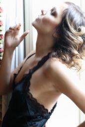 Valeria Golino - Photoshoot 2009