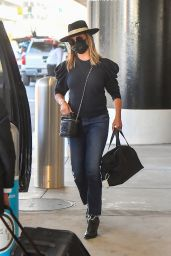 Vanessa Lachey at LAX in Los Angeles 04/18/2021