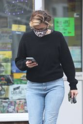 Vicky McClure - Shops in Nottingham 04/19/2021