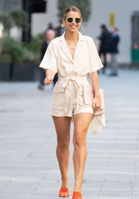Vogue Williams - Out in London 03/30/2021
