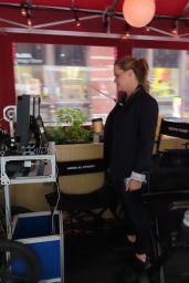"Amy Schumer - ""Life & Beth"" Set at Balthazar, New York 05/10/2021"
