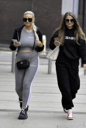 Apollonia Llewellyn - Shopping in Manchester City Centre 05/12/2021