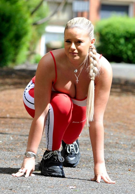 Apollonia Llewellyn - Working Out in a Park in Manchester 05/15/2021
