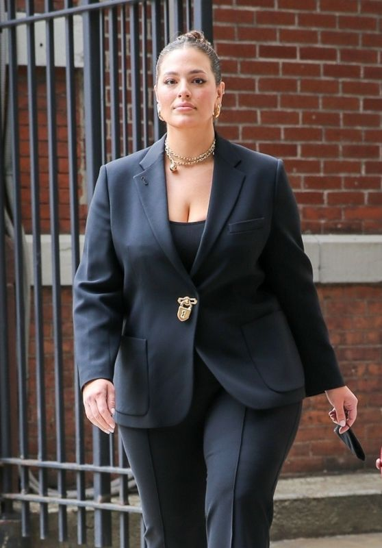 Ashley Graham - Out in New York 05/25/2021