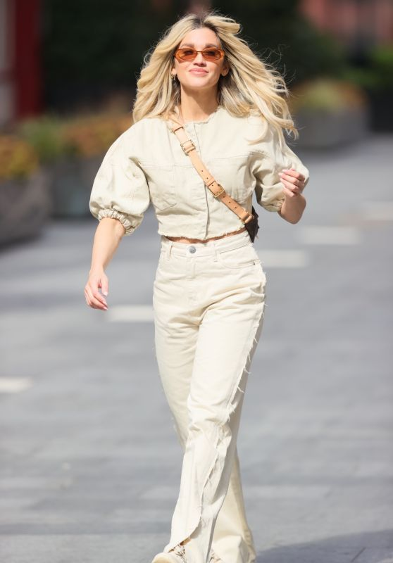 Ashley Roberts - Out in London 05/11/2021