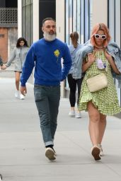 Busy Philipps and Marc Silverstein - Out in NYC 05/16/2021