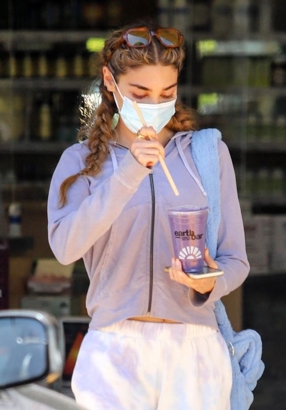 Chantel Jeffries at Earthbar in West Hollywood 05/03/2021